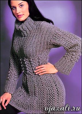 Вязаная спицами туника – платье