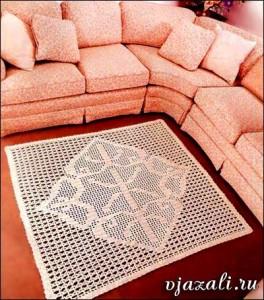 квадратный вязаный коврик